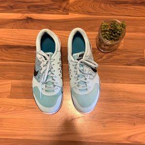 Nike Flex Run running shoes